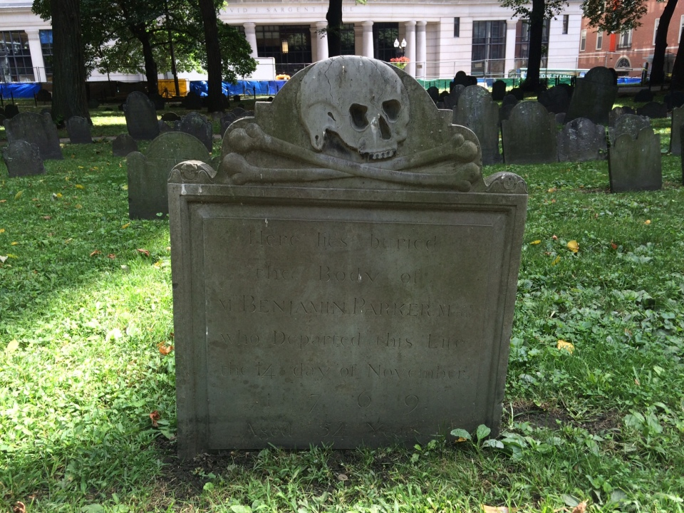 Skull and crossbones headstone